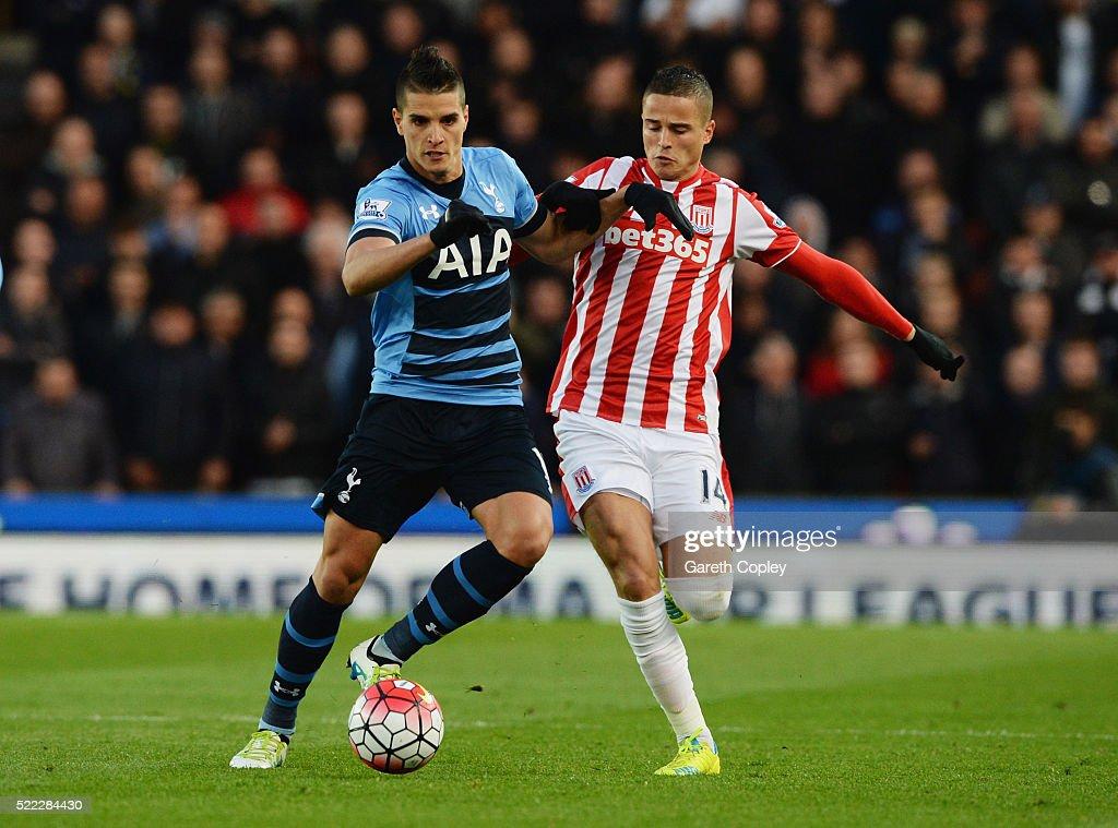 Stoke City v Tottenham Hotspur - Premier League : News Photo