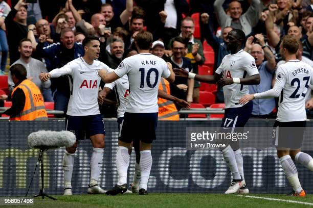 Erik Lamela of Tottenham Hotspur celebrates with Harry Kane of Tottenham Hotspur Christian Eriksen of Tottenham Hotspur and Moussa Sissoko of...
