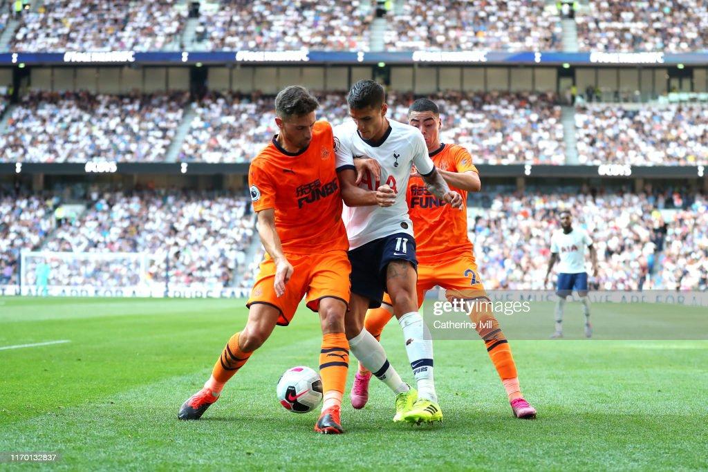 Tottenham Hotspur v Newcastle United - Premier League : Fotografia de notícias