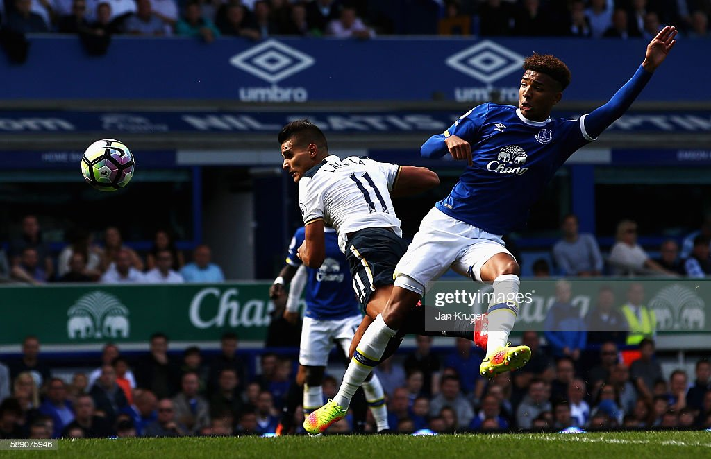 Erik Lamela of Tottenham Hotspur scores his sides first goal during the Premier League match between Everton and Tottenham Hotspur at Goodison Park on August 13, 2016 in Liverpool, England.