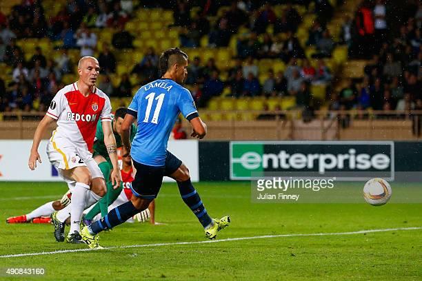 Erik Lamela of Tottenham Hotspur scores the opening goal during the UEFA Europa League group J match between AS Monaco FC and Tottenham Hotspur FC at...