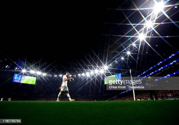 Erik Lamela of Tottenham Hotspur walks to take a corner during the UEFA Champions League group B match between Tottenham Hotspur and Crvena Zvezda at...