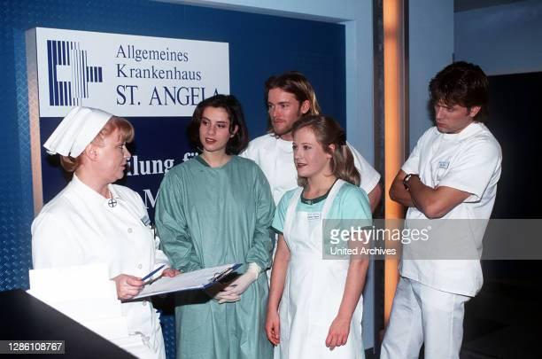 Erik, Nils und Isabella haben jede Menge Arbeit damit, eine Ratte eines Patientin, die sich aus dem Staub gemacht hat, zu fangen, bevor jemand den...