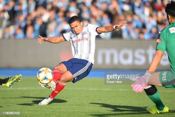 Erik of Yokohama FMarinos scores his side's second goal during the JLeague J1 match between Kawasaki Frontale and Yokohama FMarinos at Todoroki...