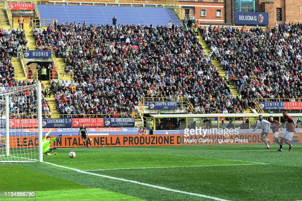 Erik Pulgar of Bologna FC scores the opening goal from the penalty spot during the Serie A match between Bologna FC and Cagliari at Stadio Renato...