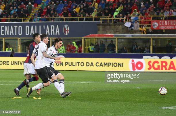 Erik Pulgar of Bologna scores his team's 4th goal during the Serie A match between Bologna FC and Parma Calcio at Stadio Renato Dall'Ara on May 13...