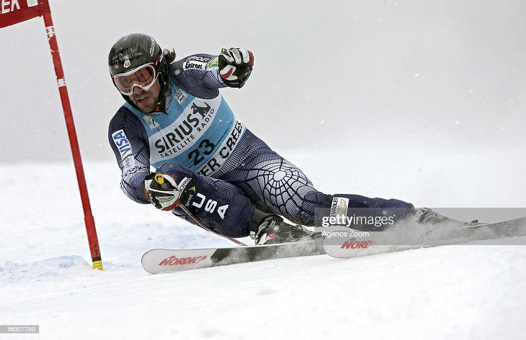 Erik Schlopy of the USA competes during the FIS Alpine Skiing World Cup Men's Giant Slalom Race on December 3, 2005 at Beaver Creek in Avon, Colorado.