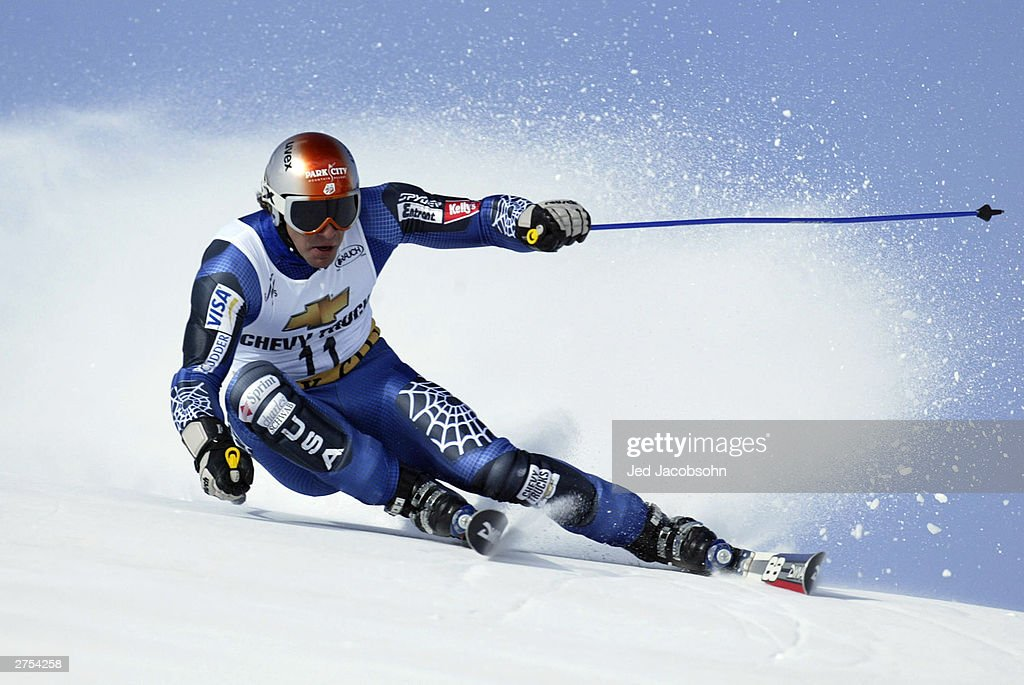 Erik Schlopy of the USA in action on his first run of the Mens FIS Alpine World Cup Giant Slalom on November 22, 2003 at Park City ski resort in Park City, Utah.