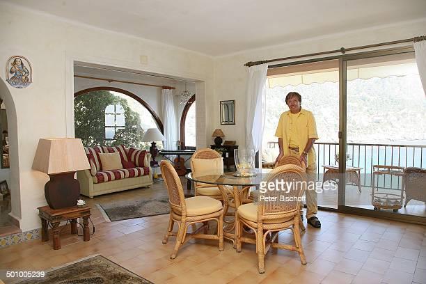 Erik Silvester, Exklusiv-Homestory - Ferienhaus Andratx/Mallorca, Spanien, Europa, Wohnzimmer, Esstisch, Urlaub, Sänger, Promi TP, CD; P.-Nr.:...