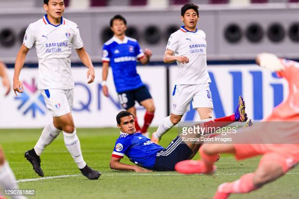 Erik Siqueira of Yokohama Marinos in action during the AFC Champions League Round of 16 match between Yokohama F.Marinos and Suwon Samsung Bluewings...