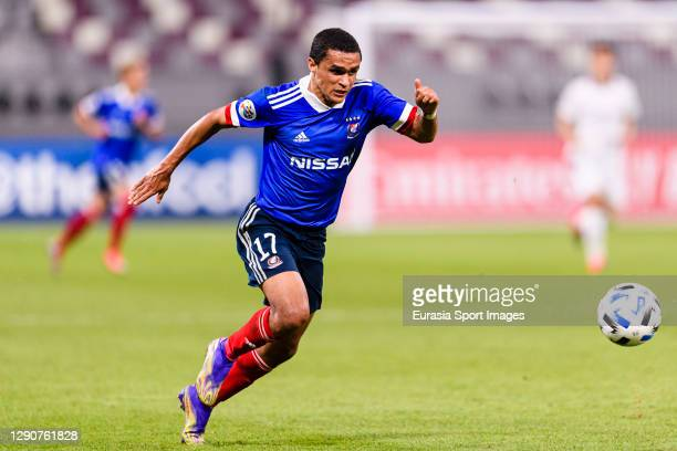 Erik Siqueira of Yokohama Marinos runs with the ball during the AFC Champions League Round of 16 match between Yokohama F.Marinos and Suwon Samsung...
