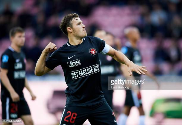 Erik Sviatchenko of FC Midtjylland applauds fans before the Danish Superliga match between FC Midtjylland and Randers FC at MCH Arena on August 26...