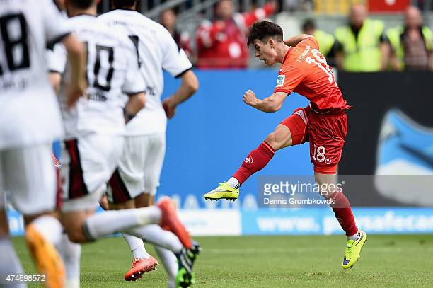 Erik Thommy of 1 FC Kaiserslautern scores the opening goal during the Second Bundesliga match between 1 FC Kaiserslautern and FC Ingolstadt at...