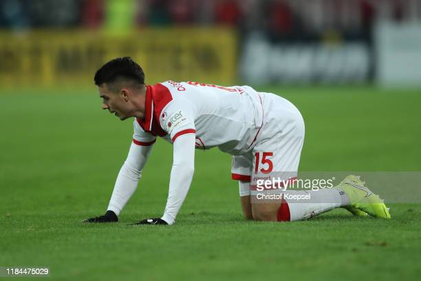 Erik Thommy of Fortuna Duesseldorf reacts during the DFB Cup second round match between Fortuna Duesseldorf and Erzgebirge Aue at Merkur SpielArena...