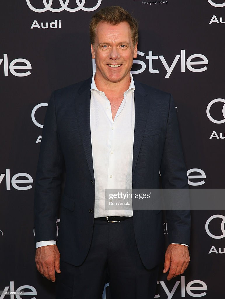 Erik Thomson arrives ahead of the InStyle and Audi Man of Style Awards 2015 on October 14, 2015 in Sydney, Australia.