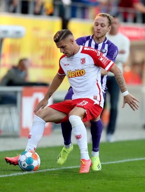 DEU: SSV Jahn Regensburg v FC Erzgebirge Aue - Second Bundesliga