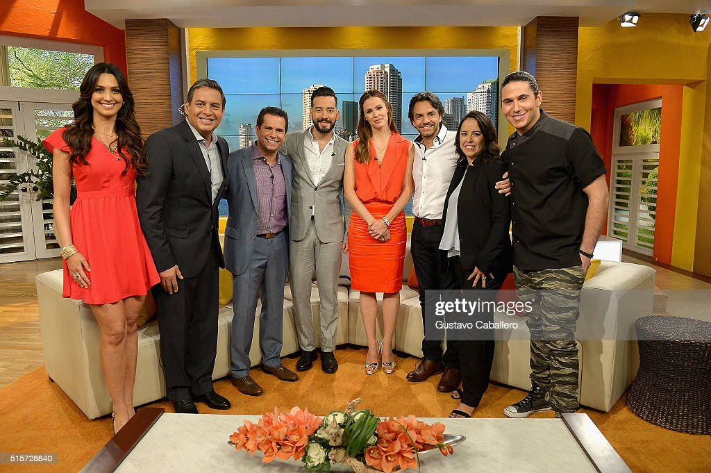 "Celebrities On The Set Of Telemundo's ""Uno Nuevo Dia"" : News Photo"