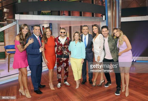 Erika Csiszer Marco Antonio Regil Rashel Diaz Nacho Adamari Lopez Hector Sandarti Zuleyka Rivera Chef James and Janice Bencosme on the new set of Un...