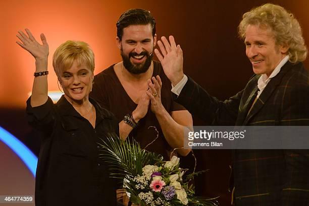 Erika Eleniak Tom Beck and Thomas Gottschalk attend the taping of 'Back To School Gottschalks grosses Klassentreffen' Show on January 23 2014 in...