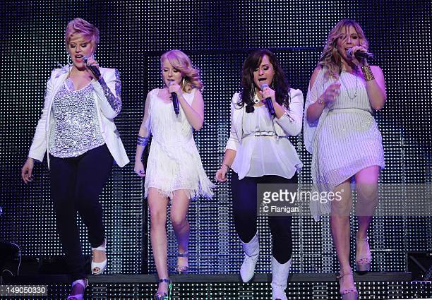 Erika Van Pelt Hollie Cavanagh Skylar Laine and Elise Testone perform as part of the American Idols Live Tour presented by Chips Ahoy and Ritz at...