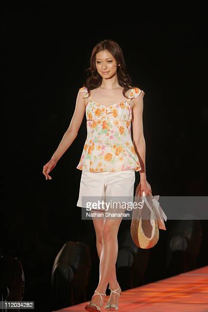 Eriko Kumazawa wearing Private Label during the Tokyo Girls Collection by girlswalkercom 2006 Spring/Summer