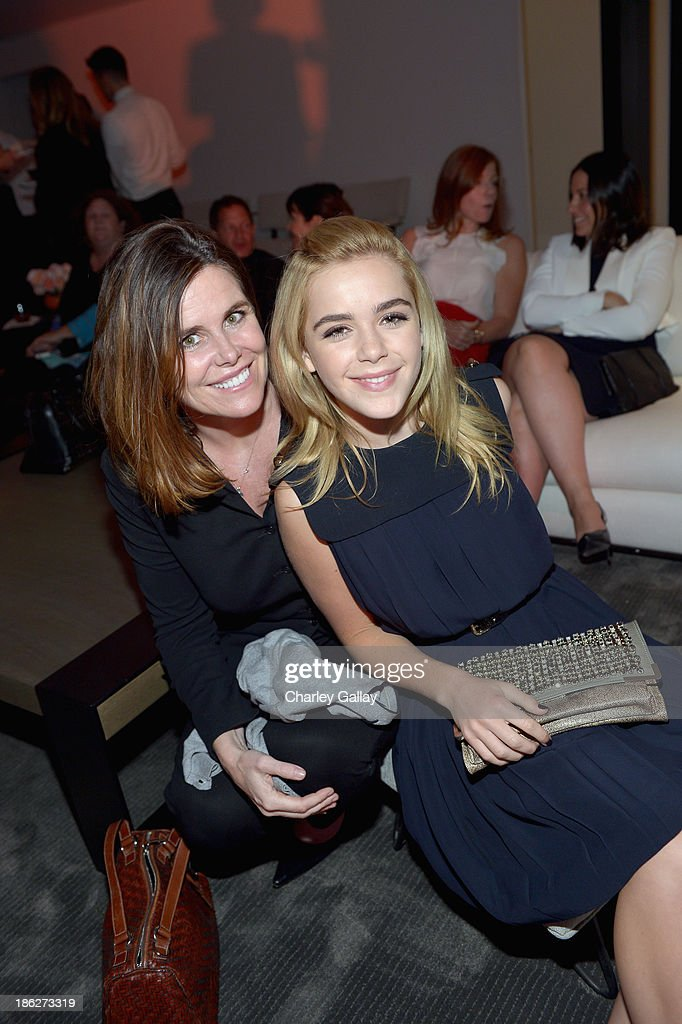 Chloe Los Angeles Fashion Show & Dinner Hosted By Clare Waight Keller, January Jones And Lisa Love : News Photo