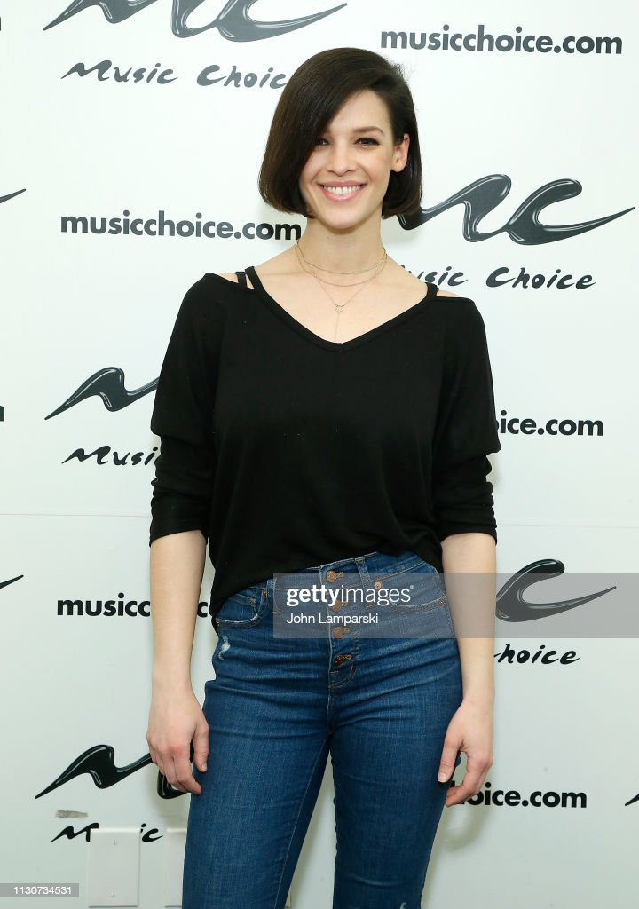 NY: Erin Bowman Visits Music Choice