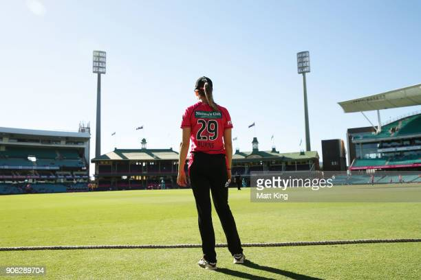 Erin Burns of the Sixers fields on the boubdary during the Women's Big Bash League match between the Sydney Sixers and the Brisbane Heat at Sydney...