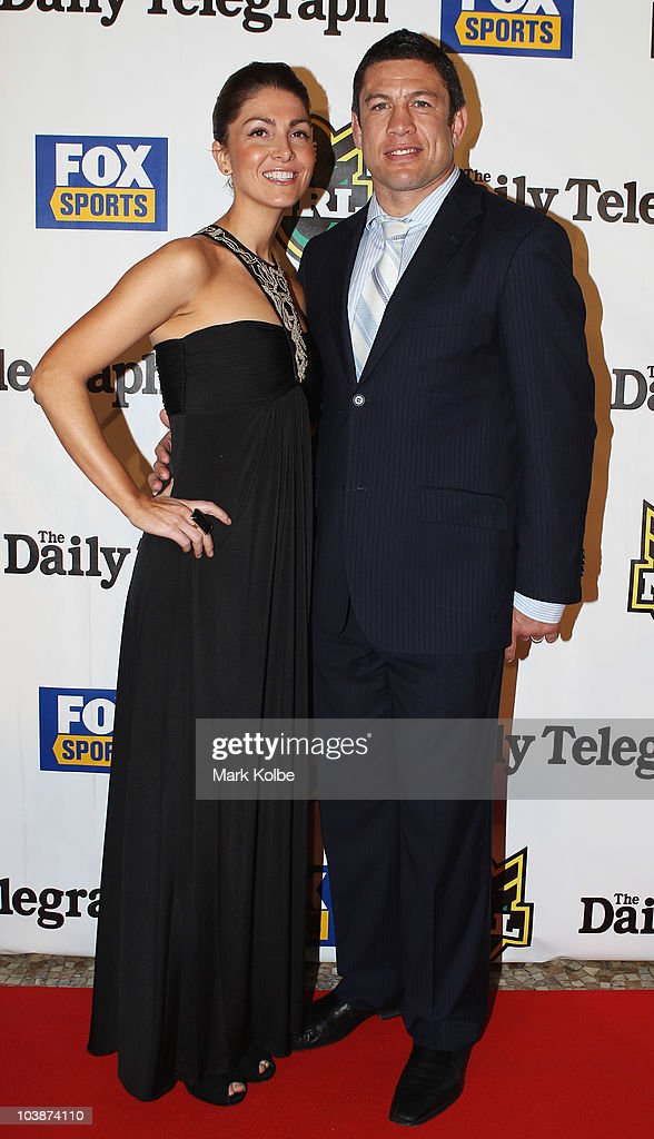 Erin Cayless and Nathan Cayless pose on the red carpet as they arrive at the 2010 Dally M Awards at the State Theatre on September 7, 2010 in Sydney, Australia.