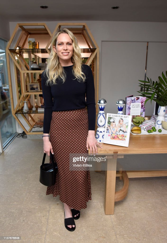 "Sakara Life + Rothy's Celebrate ""Eat Clean Play Dirty"" Cookbook Launch : News Photo"