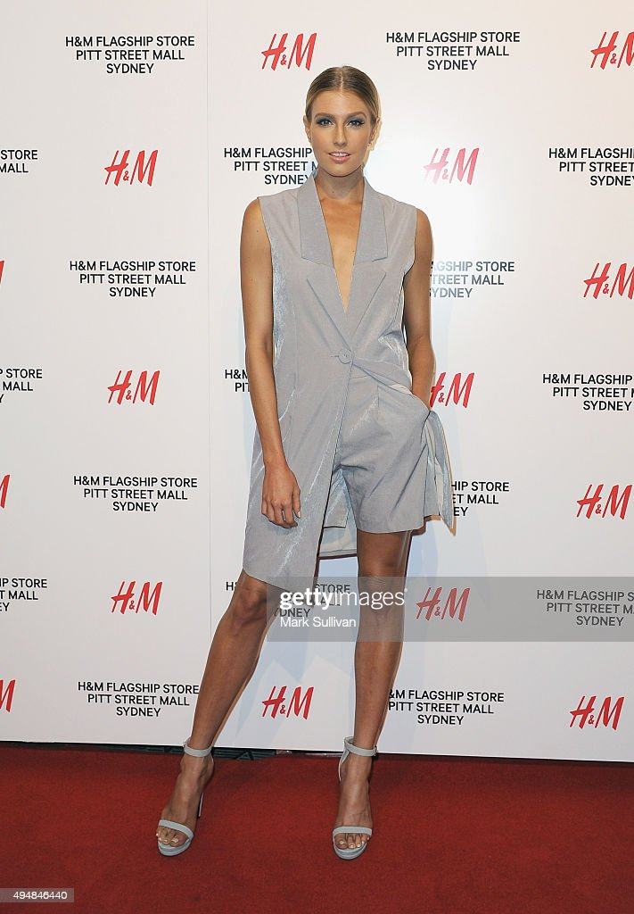 Erin Holland arrives at the H&M Sydney Flagship Store VIP Party on October 29, 2015 in Sydney, Australia.