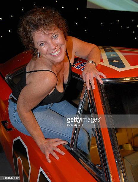 "Erin Moran during LG Mobile Phones Presents ""Mobile TV Party"" To Celebrate The Launch of LG VX9400 - Arrivals at Paramount Studios/Stage 14 in Los..."
