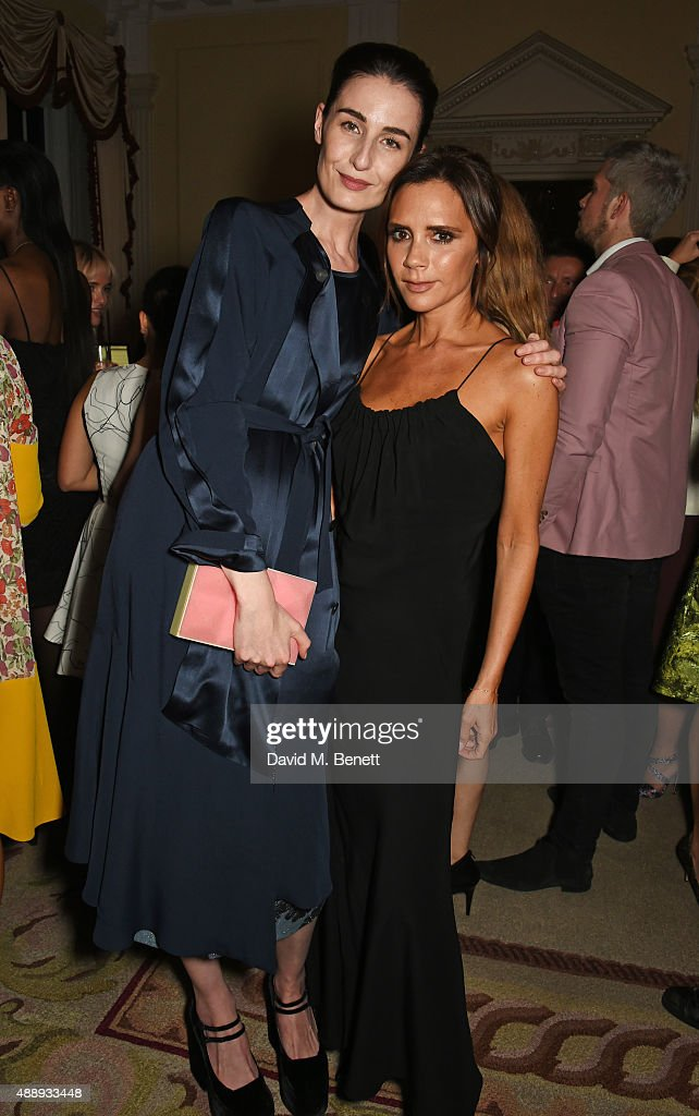 Erin O'Connor (L) and Victoria Beckham attend the London Fashion Week party hosted by Ambassador Matthew Barzun and Mrs Brooke Brown Barzun with Alexandra Shulman, in association with J. Crew, at American Ambassadors Residence, Winfield House,Regents Park on September 18, 2015 in London, England.