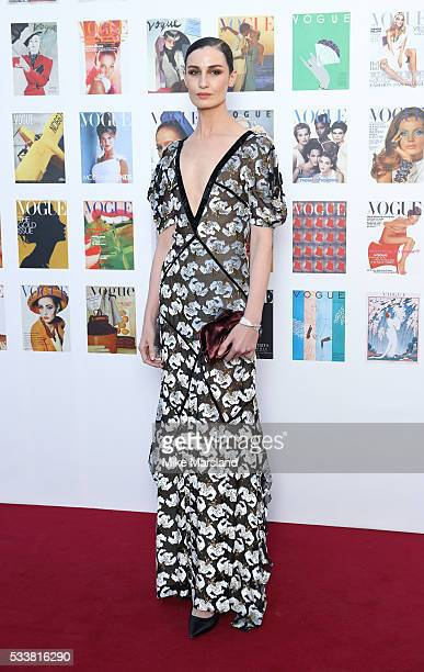 Erin O'Connor arrives for the Gala to celebrate the Vogue 100 Festival Kensington Gardens on May 23 2016 in London England