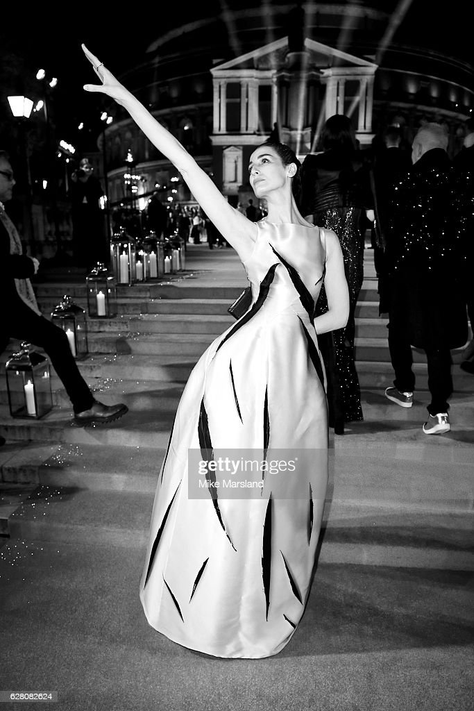 Erin O'Connor attends The Fashion Awards 2016 on December 5, 2016 in London, United Kingdom.