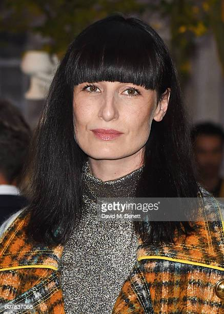 Erin O'Connor wearing Burberry at the Burberry September 2016 show during London Fashion Week SS17 at Makers House on September 19 2016 in London...
