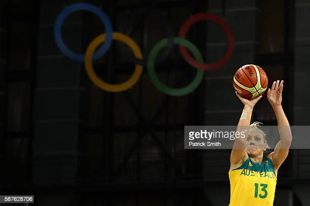 Erin Phillips of Australia shoots against France in the Women's Preliminary Round Group A match between Australia and France on Day 4 of the Rio 2016...