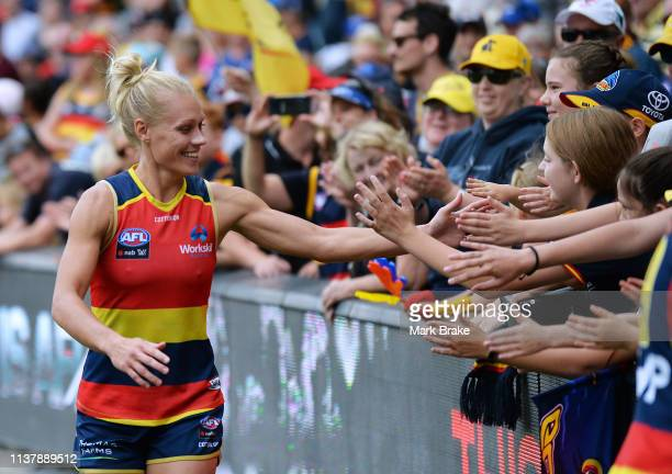 Erin Phillips of the Adelaide Crows thanks the fans after the AFLW Preliminary Final match between the Adelaide Crows and thew Geelong Cats at...
