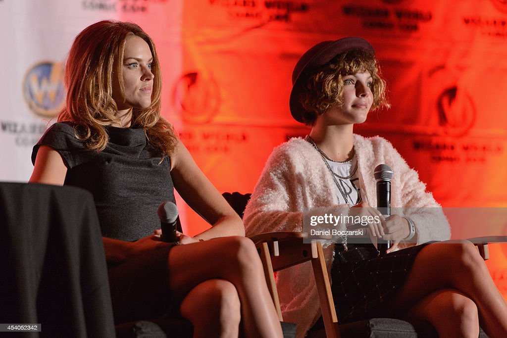 Erin Richards and Camren Bicondova attend Wizard World Chicago Comic Con 2014 at Donald E. Stephens Convention Center on August 23, 2014 in Chicago, Illinois.
