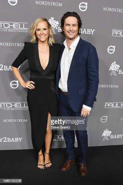 Erinn Bartlett and Oliver Hudson attend the 2018 Baby2Baby Gala Presented by Paul Mitchell at 3LABS on November 10 2018 in Culver City California