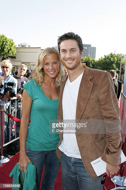 Erinn Bartlett and Oliver Hudson during DreamWorks Pictures' Dreamer Inspired by a True Story Los Angeles Premiere Red Carpet at Mann Village Theatre...