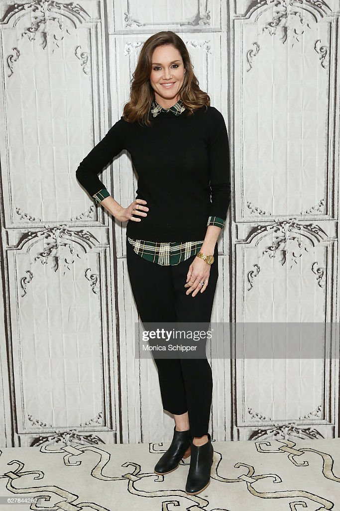 """Build Presents Actress Erinn Hayes Discussing """"Kevin Can Wait"""""""