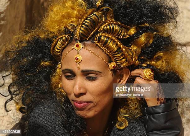 eritreer braut mit traditionellen haar stil - eritrea stock-fotos und bilder