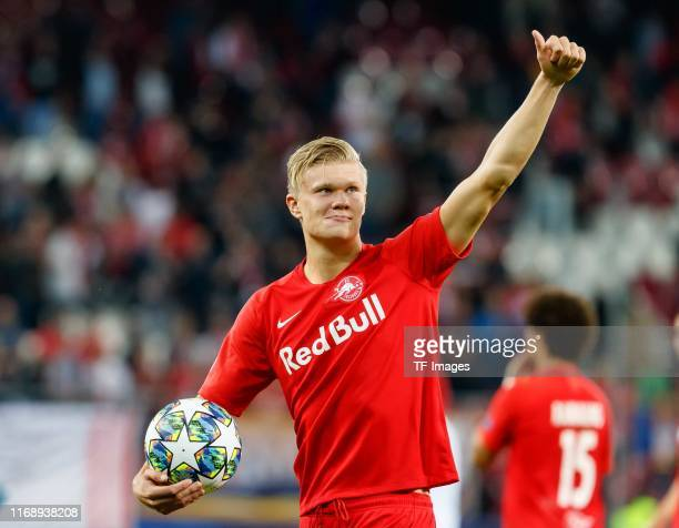 Erling Braut Haland of RB Salzburg final jubilee during the UEFA Champions League group E match between RB Salzburg and KRC Genk at Red Bull Arena on...