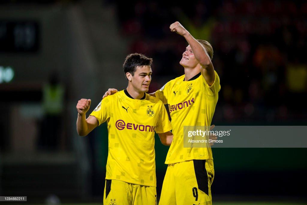 SV Wehen Wiesbaden v Borussia Dortmund - DFB Cup: First Round : News Photo