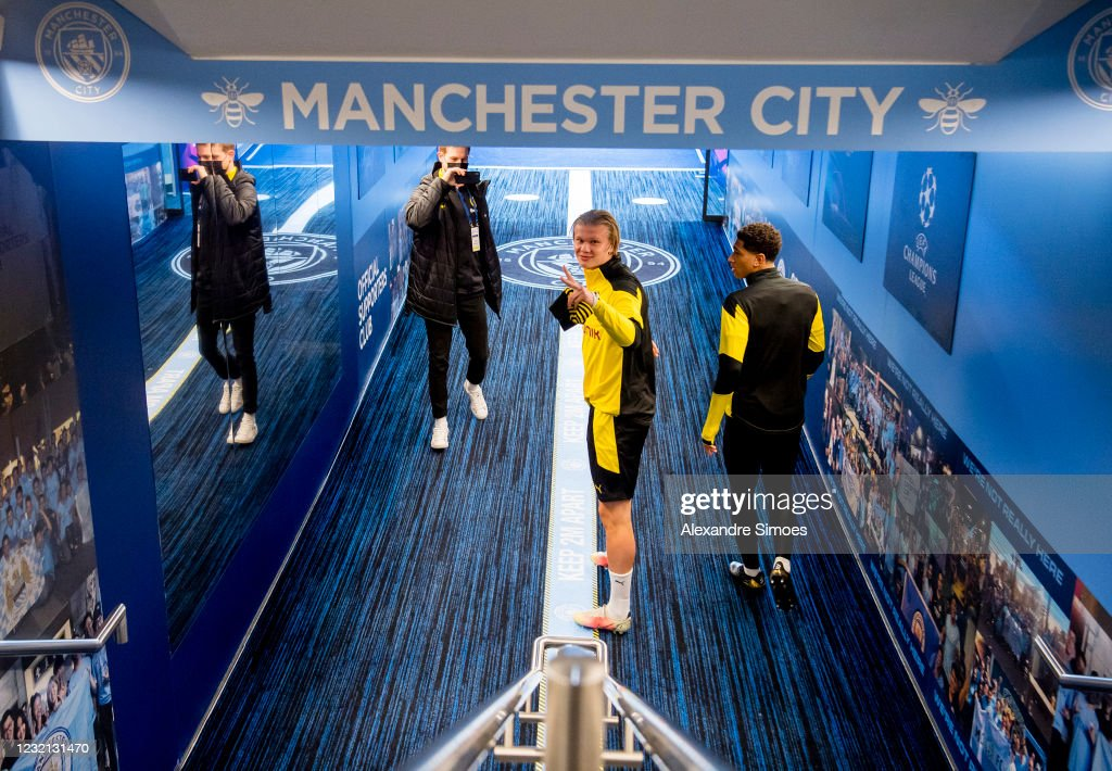 Borussia Dortmund Training And Press Conference : News Photo