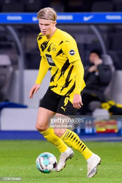 Erling Haaland of Borussia Dortmund controls the ball during the Bundesliga match between Hertha BSC and Borussia Dortmund at Olympiastadion on...