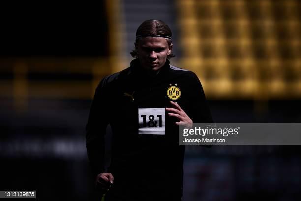 Erling Haaland of Borussia Dortmund warms up prior to the during the Bundesliga match between Borussia Dortmund and SV Werder Bremen at Signal Iduna...