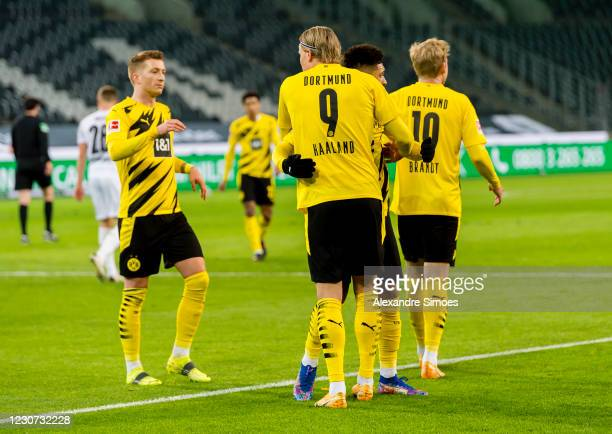 Erling Haaland of Borussia Dortmundcelebrtaes scoring his goal to the 1:2 during the Bundesliga match between Borussia Moenchengladbach and Borussia...