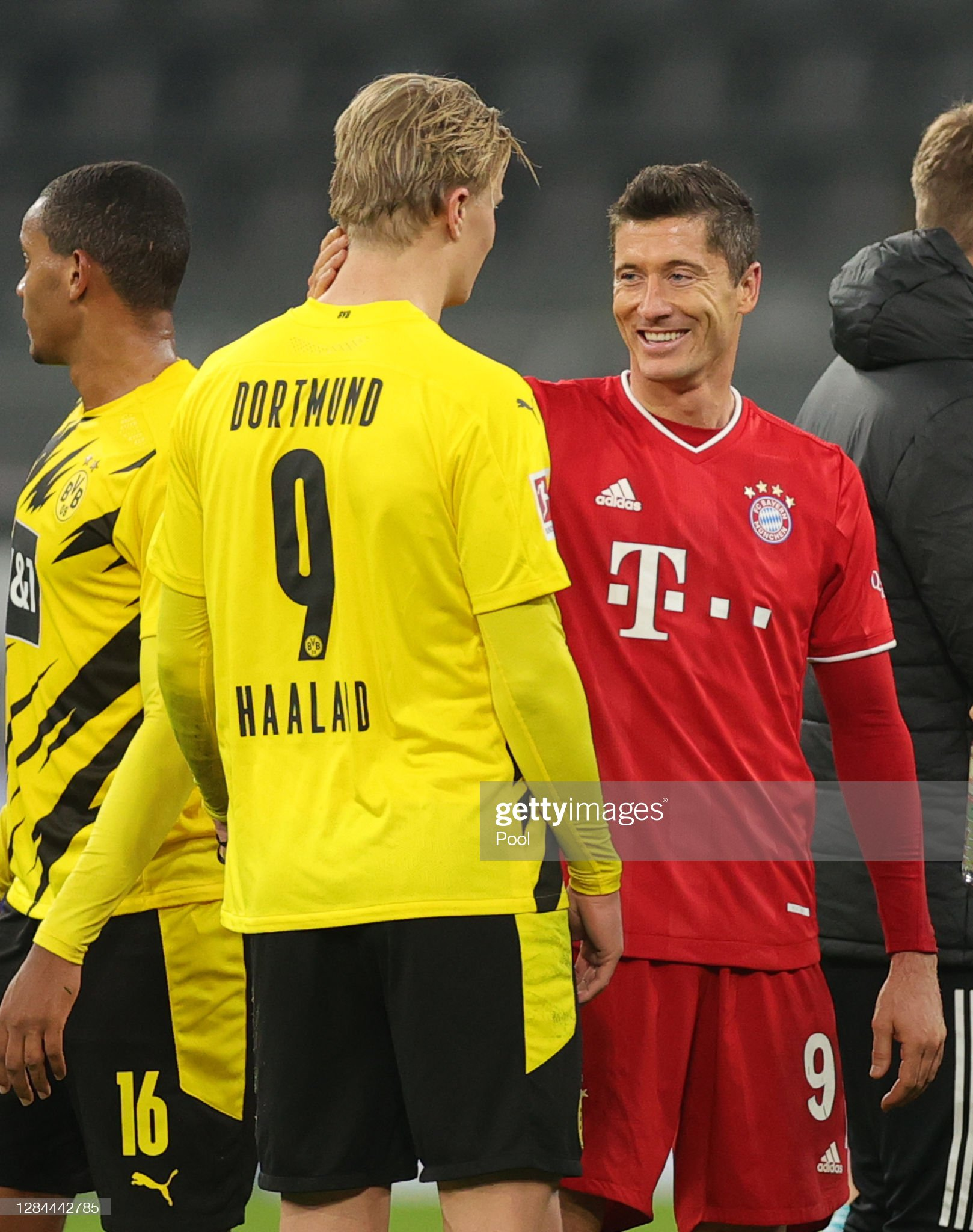 Borussia Dortmund v FC Bayern Muenchen - Bundesliga : News Photo